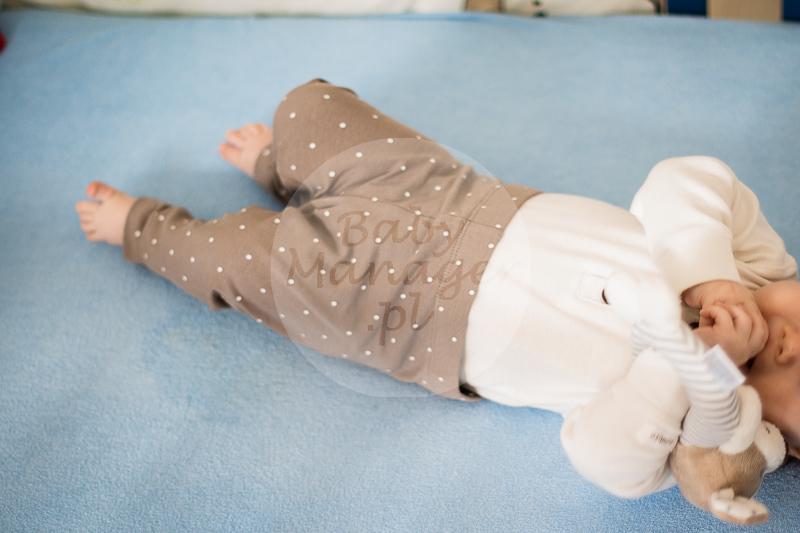 Body i zabawka KappAhl, spodnie H&M